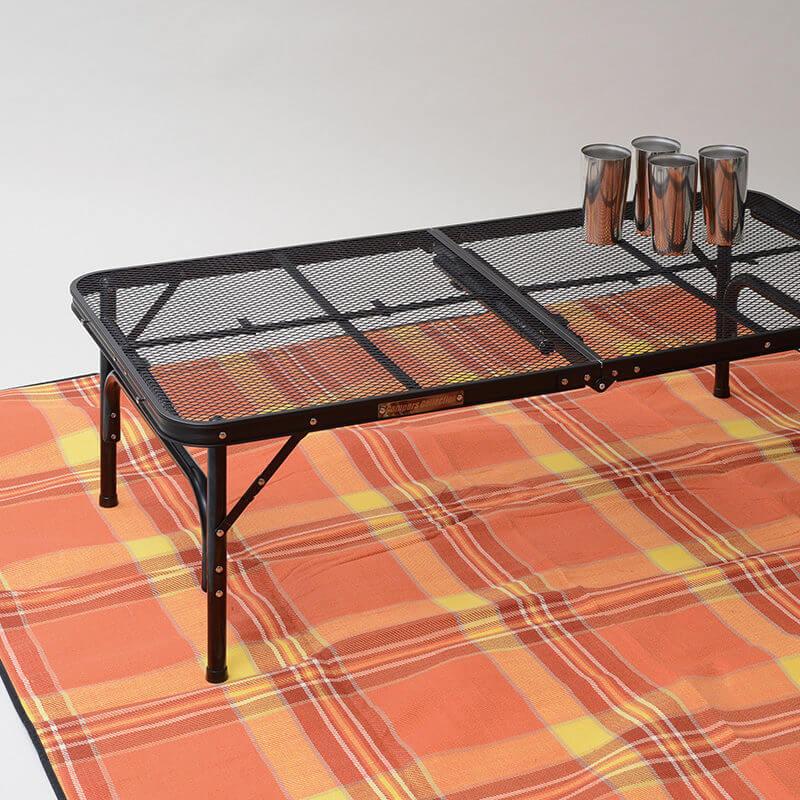 折りたたみテーブルの写真