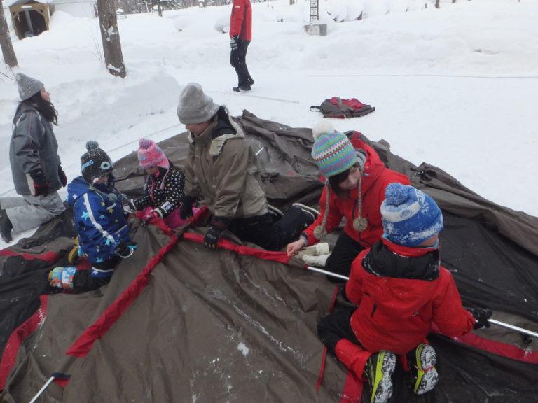 親子でこそ練 キャンプ冬のイメージ写真